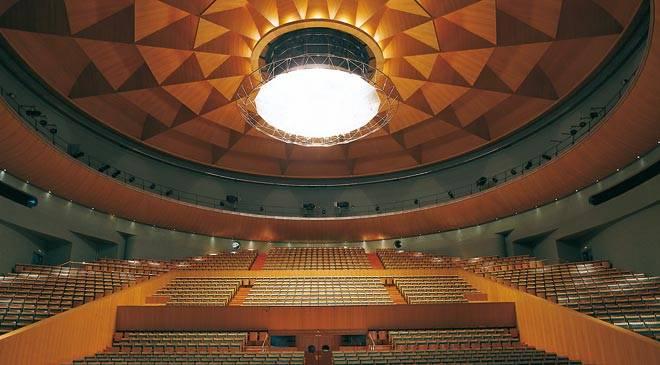 teatro_maestranza_sevilla_t4100330.jpg_1306973099